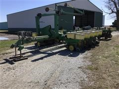 John Deere 7000 16-Row Planter