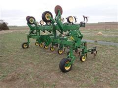 John Deere 845 12RN Row Crop Cultivator