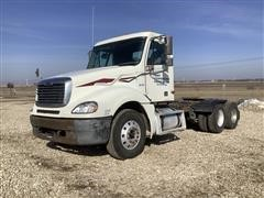 2002 Freightliner Columbia 120 T/A Truck Tractor
