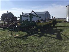 John Deere 7200 MaxEmerge 2 16R30 Planter