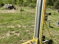 Sumner 750 Material Lift