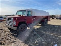 1987 International 1754 S/A Fuel Truck