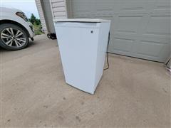 General Electric TAX4DNYCWIH Refrigerator