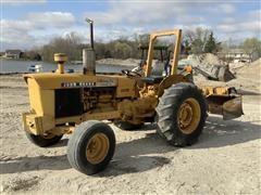 John Deere 401BD 2WD Diesel Tractor & Box Scraper
