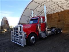 2007 Peterbilt 379 Tri/A Day Cab Truck Tractor W/Steerable Pusher