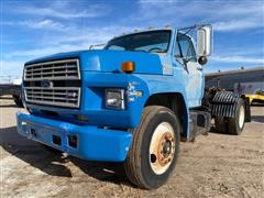 1992 Ford F800 S/A Truck Tractor