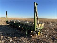 """John Deere 7100 8R30"""" Planter"""