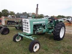 1961 Oliver 1800 2WD Tractor