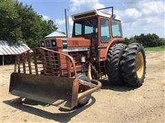 1976 International BlackStripe 1066 2WD Tractor
