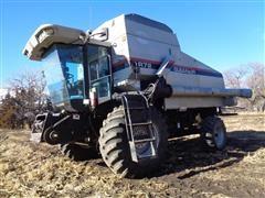 Gleaner R72 Custom Harvester Special Natural Flow Combine