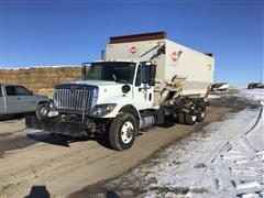 2011 International 7400 SBA T/A Feed Truck