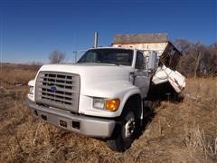 1996 Ford F800 Med Duty Feeder Mixer Truck