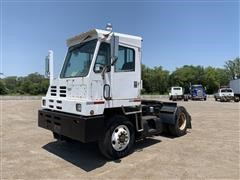1997 Cap S/A Spotter Truck/Tractor