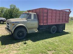 1968 Chevrolet C60 Tag Axle Grain Truck W/Hydraulic Lift & Auger