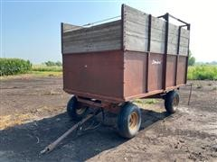 Stan-Hoist Silage Wagon