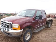 2000 Ford F350 4x4 Extended Cab M/T Flatbed Pickup (INOPERABLE)