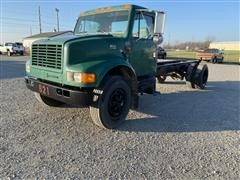 1997 International 4900 S/A Cab & Chassis