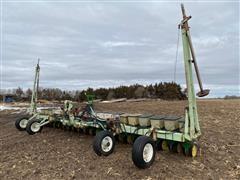 """John Deere 7100 3-Pt 20R15"""" Bean Planter"""