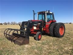 1979 International 1086 2WD Tractor W/Loader