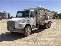2004 Freightliner FL70 T/A Feed Truck