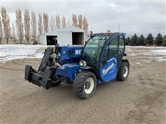 2017 New Holland LM5.25 4x4x4 Telehandler