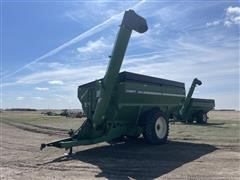 Unverferth Brent 1084 Avalanche Grain Cart