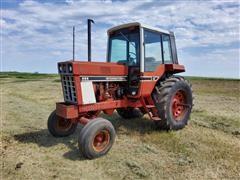 International 886 2WD Tractor