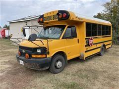 2006 Chevrolet Express Cutaway G30 Mid Bus W/Handicap Lift