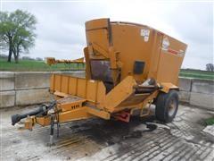 KUHN Knight 5144 Vertical Mixer Wagon