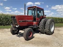 1981 International 5288 2WD Tractor