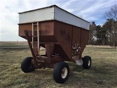 Lundell 300-Bushel Gravity Box Wagon