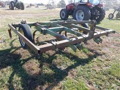 John Deere 1600 10' Chisel Plow
