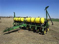 John Deere 7200 MaxEmerge 2 8R30 Planter W/Liquid Fertilizer