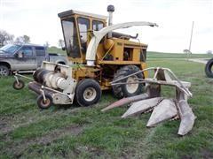 Hesston Field Queen 7650 Self-Propelled Forage Harvester W/Headers