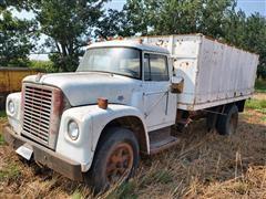 1969 International 1700 S/A Grain Truck