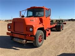 1983 Mack DM492S T/A Cab & Chassis Truck