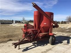 International 950 Grinder Mixer