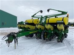 "2010 John Deere 1760 MaxEmerge XP 12R30"" Planter"