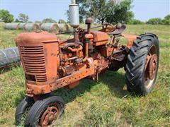 Farmall International M 2WD Tractor