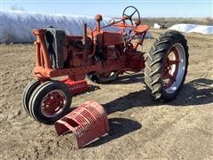 International H 2WD Tractor (INOPERABLE)