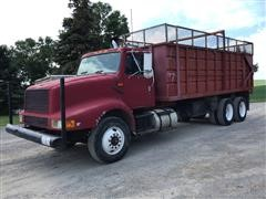 1993 International 8200 T/A Grain/Silage Truck