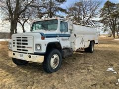 1988 International 1954 Fuel Truck