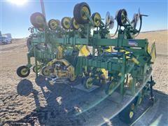 John Deere 885 12R30 Cultivator
