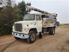 1979 Ford 800 Feed/Mixer Truck