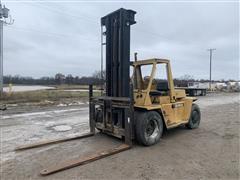 Caterpillar V200 Forklift
