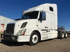 2011 Volvo VNL64T670 T/A Truck Tractor