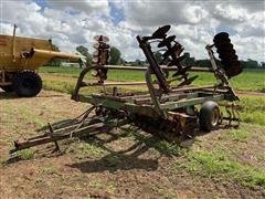 John Deere T0230 Plow