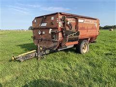 Roto-Mix IV 354-12 Feed Wagon