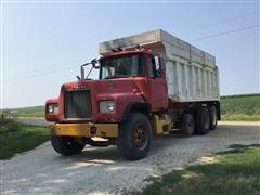 1978 Mack DM685S Tri/A Grain/Dump Truck