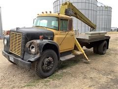 1970 International 1600 Loadstar S/A Boom Truck (INOPERABLE)